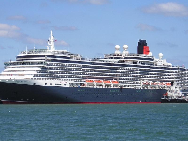 Cunard_Queen_Victoria