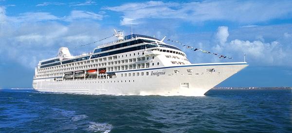 Tàu du lịch biển