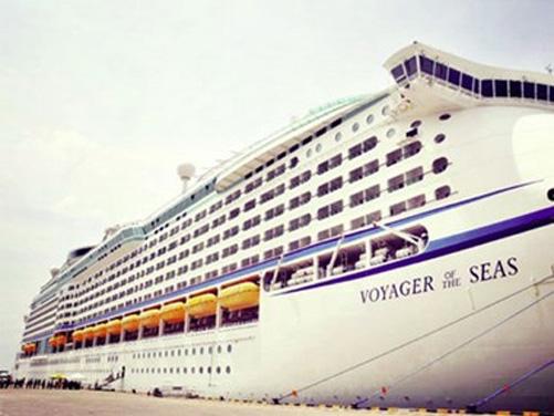 Tau_Voyager_of_the_Seas